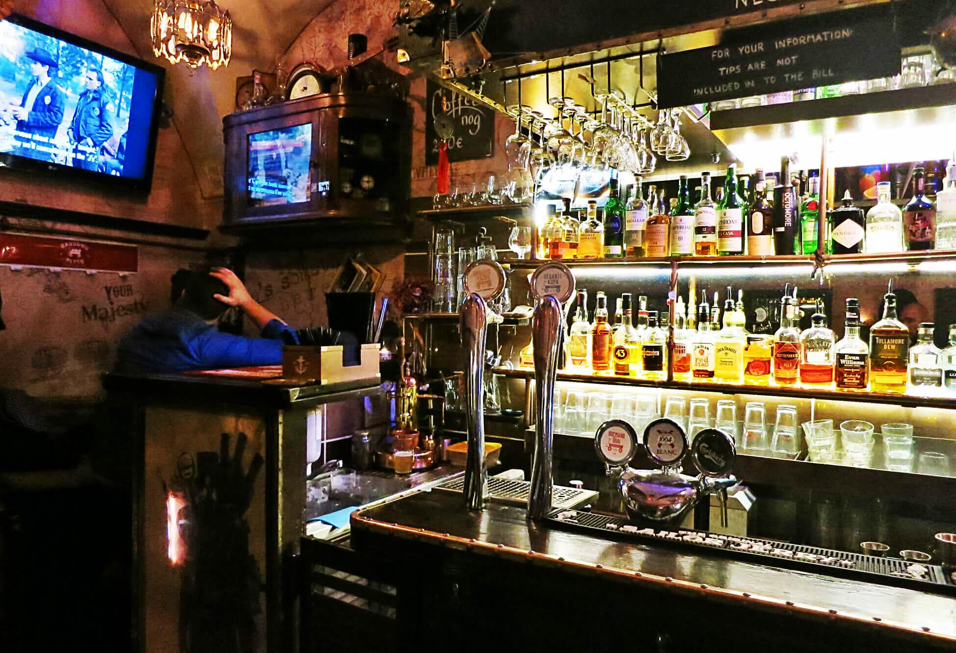 Beitragsbild Top 5 Bars Vilnius Who Hit John Bar
